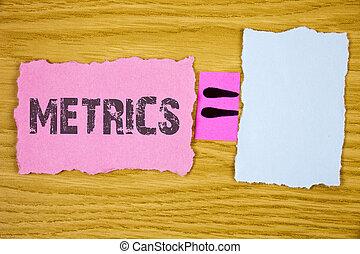 escrita, nota, mostrando, metrics., negócio, foto, showcasing, método, de, medindo, algo, estudo, poético, metros, jogo, de, números, escrito, ligado, lágrima, nota pegajosa, papel, ligado, madeira, fundo, equação, space.