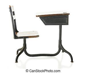 escritorio antiguo de la escuela