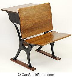 escritorio antiguo de la escuela, silla, combinación