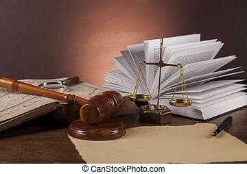 escritorio de madera, en, un, consejería jurídica