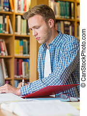 escrivaninha, notas, macho, escrita, estudante, biblioteca, jovem