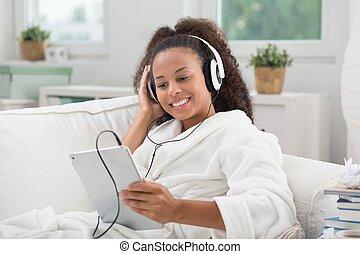 escuche música