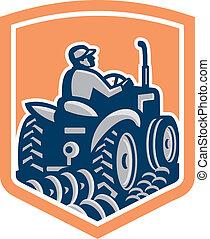 escudo, dirigindo, trator, agricultor, arar, parte traseira, retro