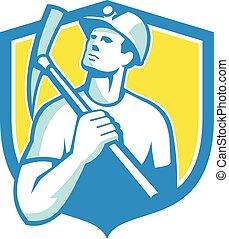 escudo, machado, mineiro, cima, olhar, carvão, retro, segurando, pico