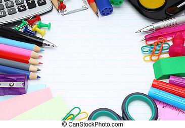 escuela, artículos de escritorio, en, un, fondo blanco