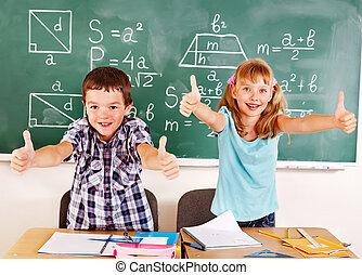 escuela, classroom., niño, sentado