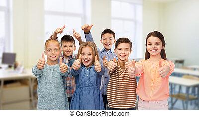 escuela, estudiantes, actuación, arriba, pulgares, feliz