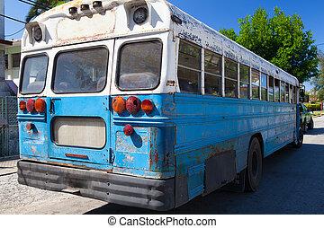 escuela, La Habana, viejo,  Cuba, autobús, estacionado, calle, típico