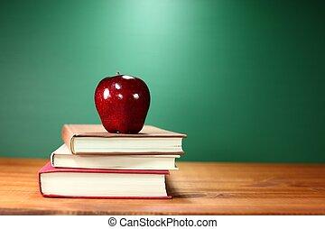 escuela, manzana, espalda, libros, más, escritorio, pila