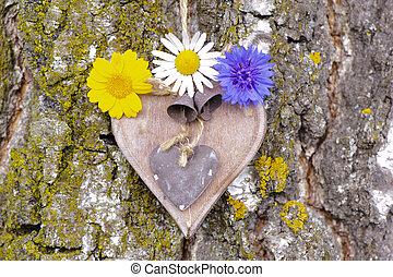 esculpido, madeira, coração