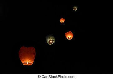escuro, voando, céu, lanterna