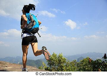 escursionista, correndo, donna, giovane, asiatico