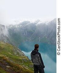 escursionista, uomo, paesaggio, scandinavo