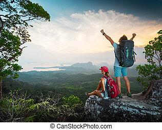 escursionisti, cima, il, montagna