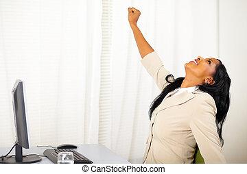 esecutivo, femmina, lavoro, festeggiare, vittoria