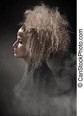 esfumaçado, foto, de, um, mulher, com, deslumbrante, cabelo