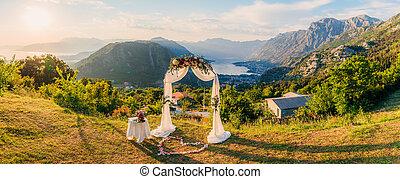 esküvő ünnepély, a hegyekben