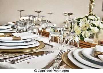 esküvő, 7