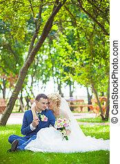esküvő, a parkban