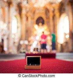 esküvő gyűrű, alatt, templom