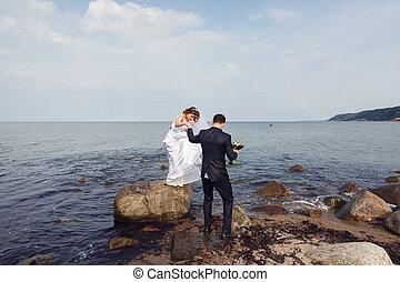 esküvő párosít, képben látható, a, tengerpart