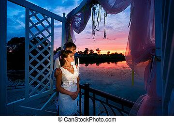 esküvő párosít, szerelemben, -ban, napnyugta, idő