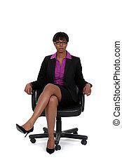 eslabón giratorio, mujer, silla, sentado