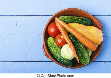 espace, bois, entier, légumes, céramique, bol, above., concept., nourriture, sain, frais, copie, table., vue dessus