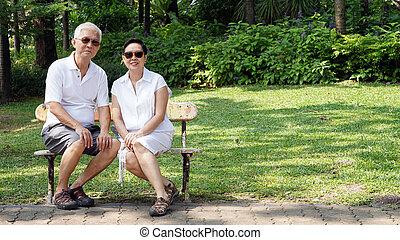 espace, couple, séance, garez banc, asiatique, personne agee, copie