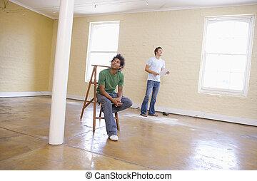 espacio, escalera, hombres, dos, papel, tenencia, vacío