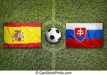 espagne, vs., slovaquie, drapeaux, sur, champ football