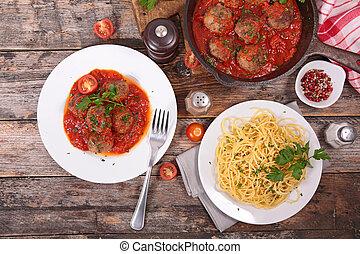 espagueti con la salsa de tomate, y, albóndiga