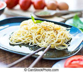 espaguetis, cena