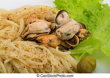 espaguetis mejillones