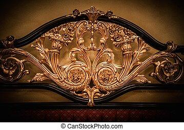 espalda, de, costoso, cama, con, dorado, ornamento
