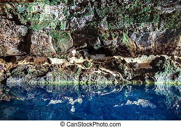 espantoso, lago salgado, em, jameos, del, agua, caverna