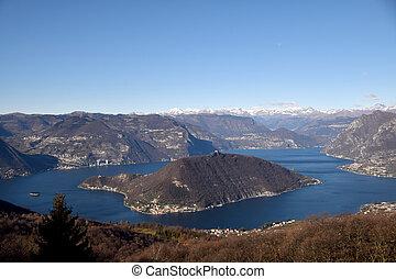 espectacular, vista, de, monte, isola, y, lago, iseo, con,...
