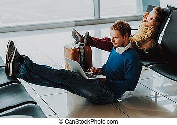 esperando, aeroporto, pai, partida, filho