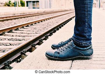 esperando, para, a, trem