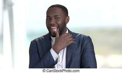 espiègle, afro-américain, entrepreneur.