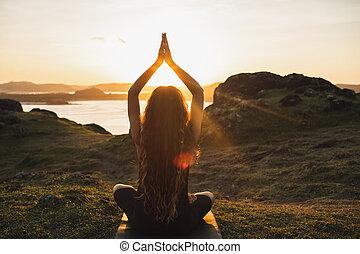 espiritual, concepto, yoga, mujer, bienestar, armonía, practicar, outdoors.