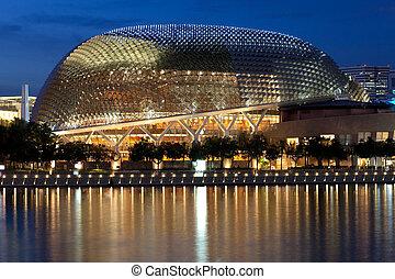 esplanade, 劇院, 上, the, 海灣, 在, 黃昏, 由于, 美麗, 反映