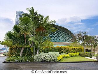Esplanade concert hall - SINGAPORE -AUGUST 21: Esplanade ...