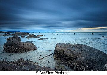 esposizione lunga, marina, con, fantastico, roccia, superficie