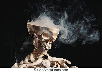 esqueleto, con, humo, salir, de, cráneo abierto