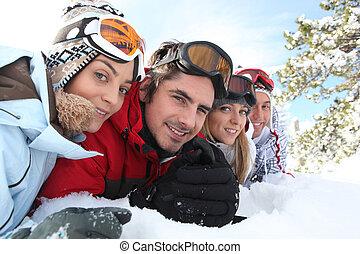 esqui, pares, mentindo, em, a, neve