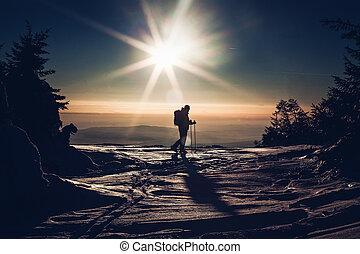 esquiador, ápice, pôr do sol, alcançar
