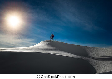 esquiador, alkpinist, en, cumbre