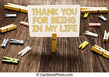 essendo, foto, segno, carta, tuo, ringraziare, nota, presa a terra, testo, concettuale, lei, parecchi, amare, qualcuno, molletta, esposizione, floor., bianco, clothespins, legno, life., mio, lato