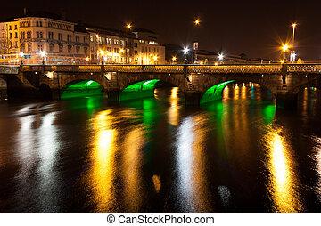 essex, puente, en, dublín, por la noche